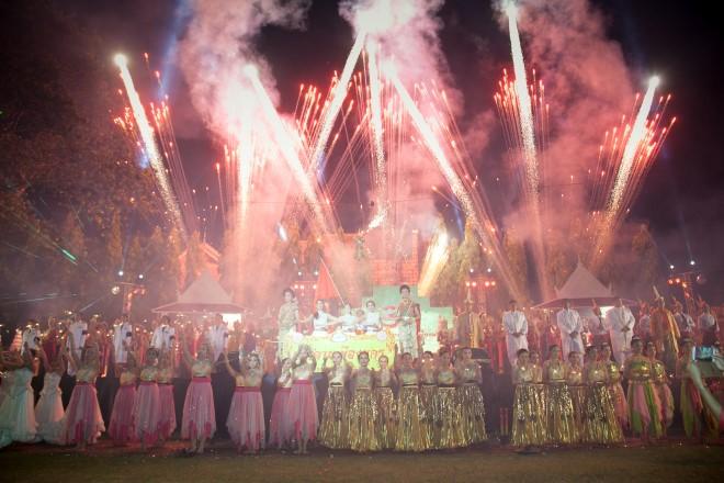 The Nang Dan parade