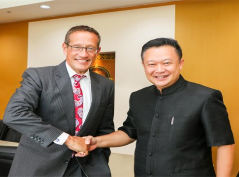 CNN's Anchor Richard Quest pays courtesy visit to TAT Governor