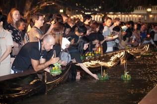 TAT floats Bangkok and five unique locations for Loi Krathong Festival 2017