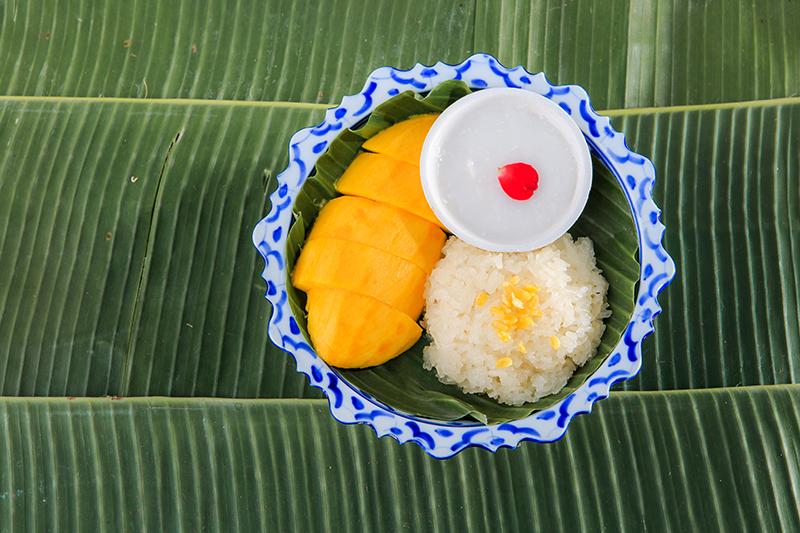 CNN International names two Thai desserts among world best