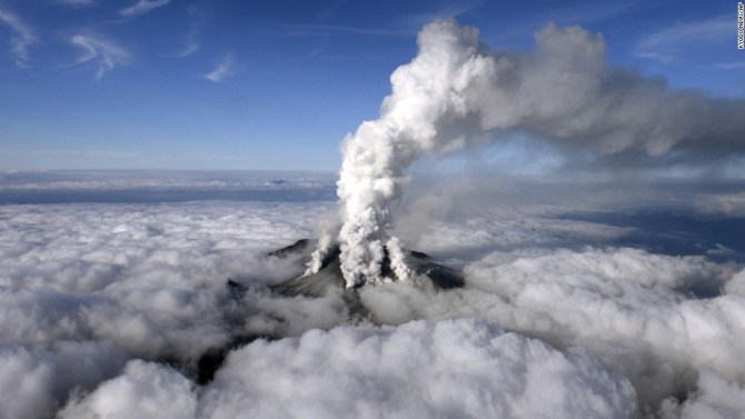 140927120421-japan-volcano-01-ap924323579007-horizontal-large-gallery