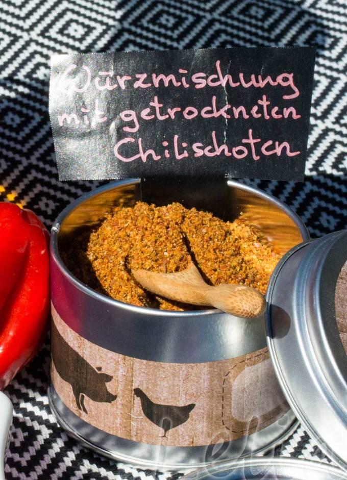 Chili-Erdnussöl und Chili-Gewürzmischung