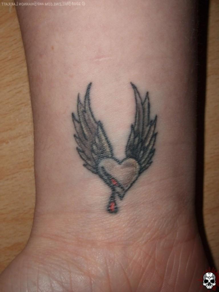 Tatouage couronne poignet femme - Petit tatouage poignet femme ...