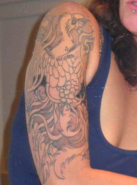 photo tattoo feminin bras et epaule style asiatique  Tatouage femme