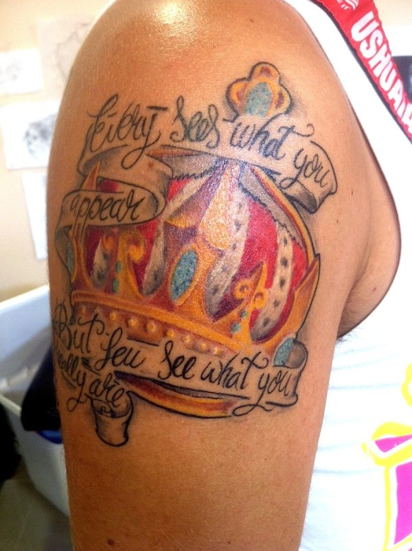 20 Queen Tattoos On Upper Arm Ideas And Designs
