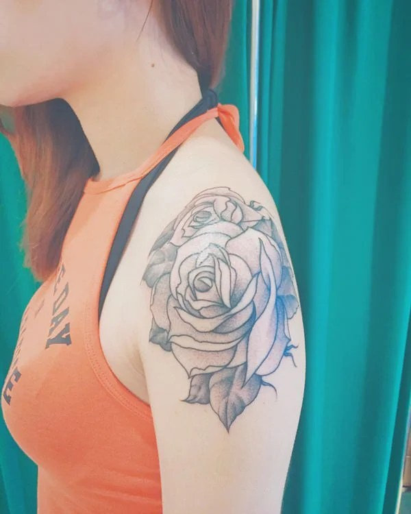 6280816-rose-tattoos