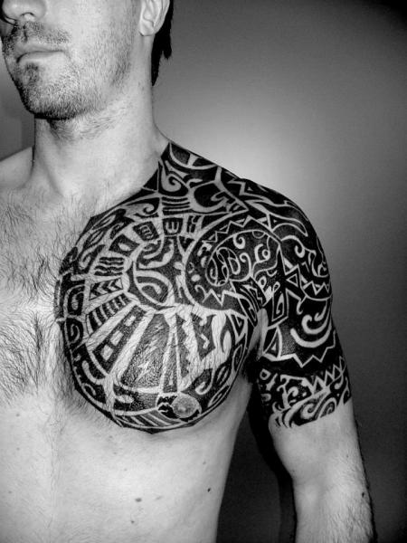 Tatuaje Hombro Tribal Maori Por Planeta Tattoo
