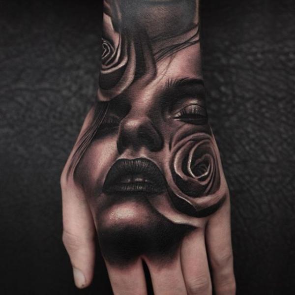 Tatuaje Mano Rosa Mujer Por Nemesis Tattoo