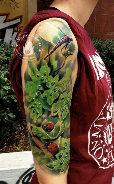 Schulter Realistische Bltter Tattoo von Tattoo Ligans