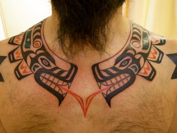 Tattoos De Tribales En El Cuello