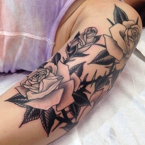 Tatuaje Hombro Brazo Flor Rosa Por Marc Nava