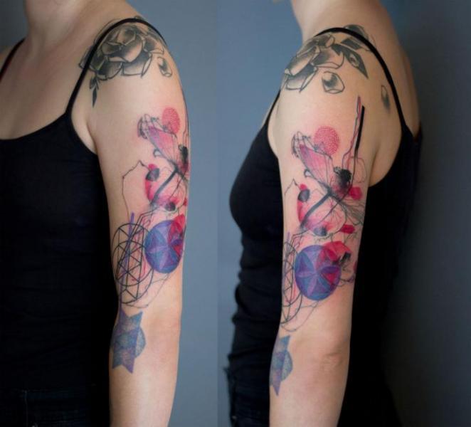 Tatuaje Brazo Abstracto Acuarela Por Dead Romanoff Tattoo