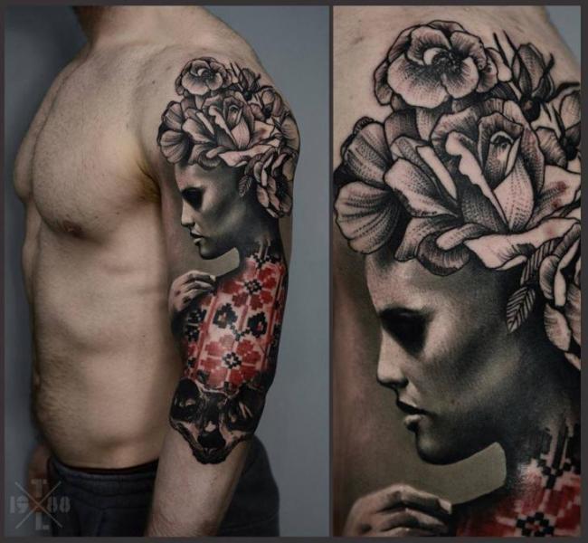 Tatuaje Hombro Brazo Flor Mujer Por Redberry Tattoo