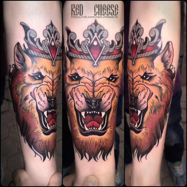 Tatuajes En El Brazo Leon Con Corona