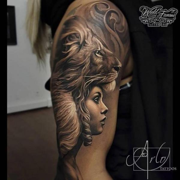 Tatuaje Hombro León Mujer Por The Raw Canvas