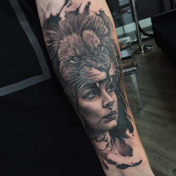 Tatuaje Brazo León Mujer Por Pxa Body Art
