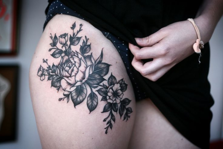 Blumenranke Oberschenkel Tattoo Tattooidee Com