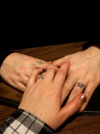 Finger Tattoos | Check Out These Finger Tattoo Designs ...