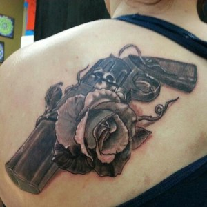 20 Tattoos For Girls Guns And Roses Logo Ideas And Designs