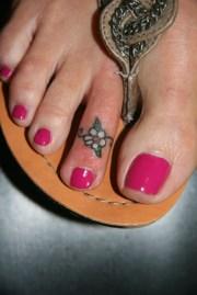 toe tattoos design ideas