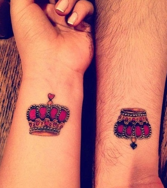 20 Queen Crown Hand Tattoos For Girls Ideas And Designs