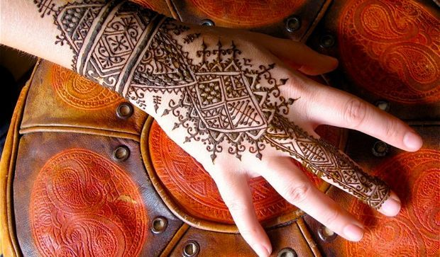 How To Pick Henna Tattoo Kits And Start Henna Tattooing Immediately