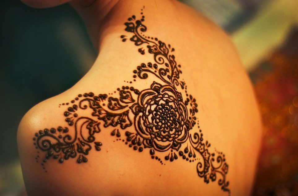 Henna temporary body art design