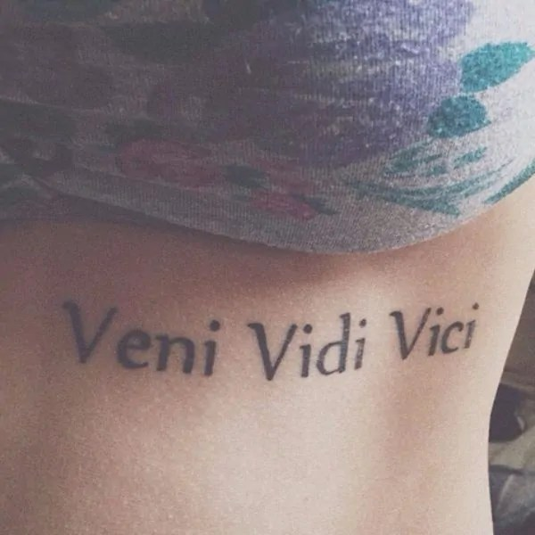 woman under boob veni vidi vici tattoo idea