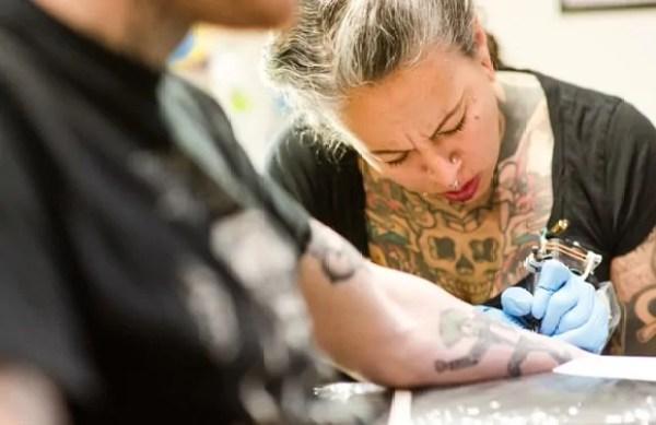 risks of getting a tattoo and tattoo risks