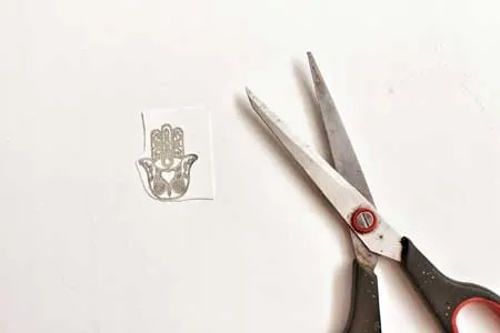 how to make golden ink temporary tattoo step 2