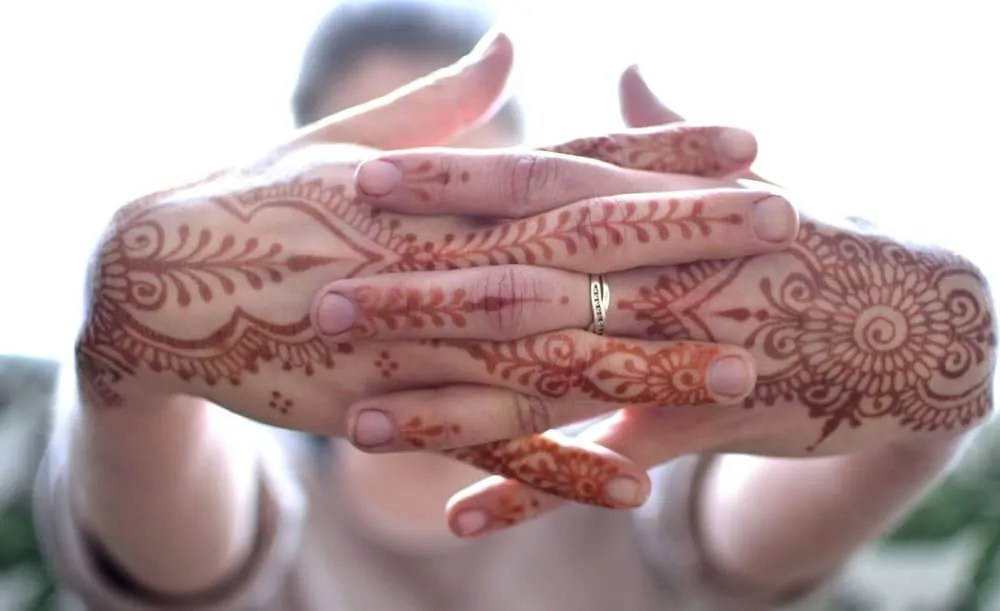 How to Remove Henna Safely (2020 Updated) | Tattoos Spot