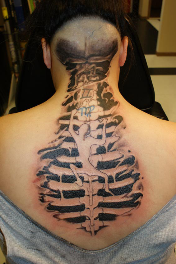spine tattoo & design