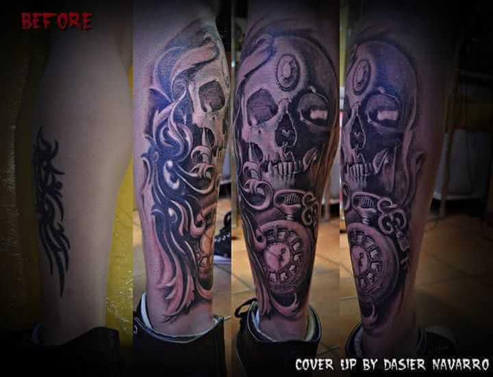 Tattoo Cover up Totenkopf mit Uhr