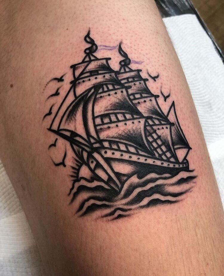 Tattoo kleines Segelschiff