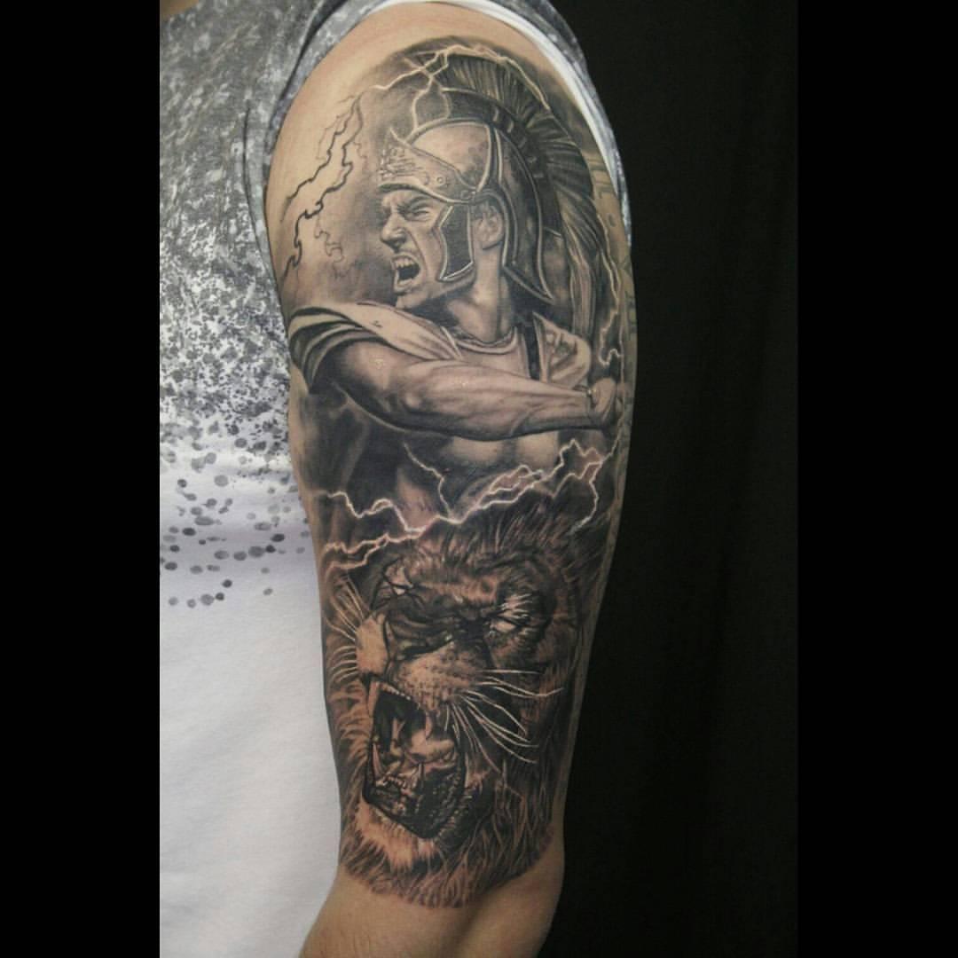 Tattoo Leonidas Gladiator Loewe Halfsleeve