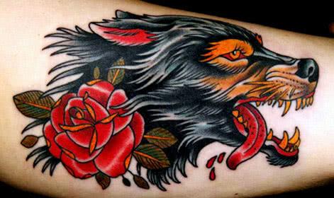 Tattoo Newschool Wolf mit Rose