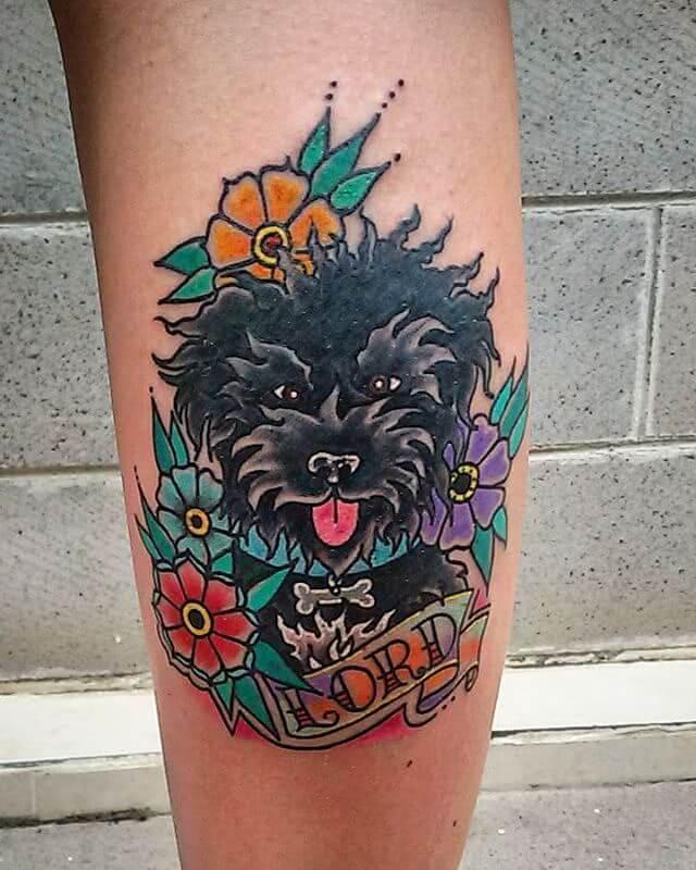Tattoo Oldschool Hund und Blumen