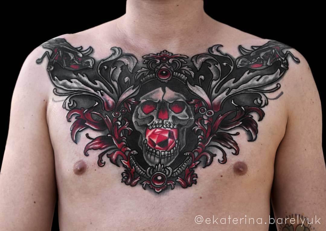Tattoo Totenkopf auf Brust Chestpiece
