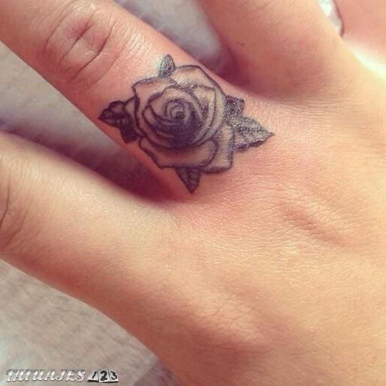 Preciosos Tatuajes De Flores Y Enredaderas En Los Dedos Tatuajes 123