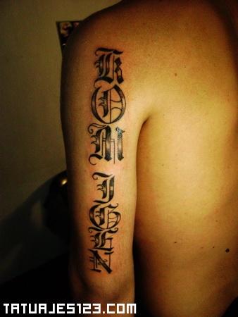 Letras Góticas En El Brazo Tatuajes 123