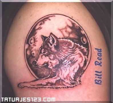 Lobo Tumbado Y Luna Llena Rojiza Tatuajes 123