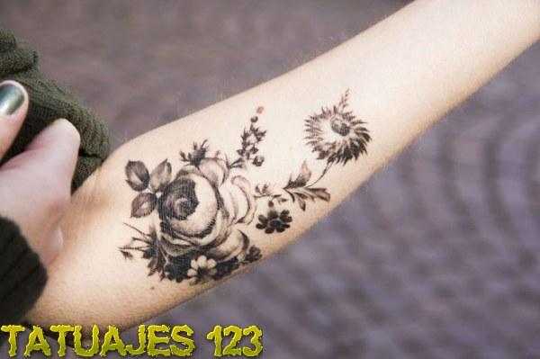 Ramo De Flores En El Antebrazo Tatuajes 123