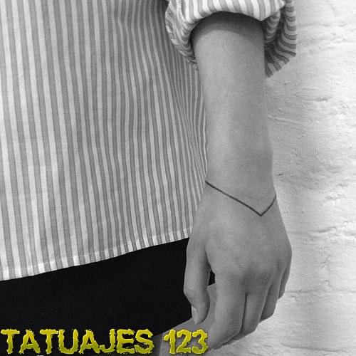 Tatuaje De Líneas En La Mano Tatuajes 123