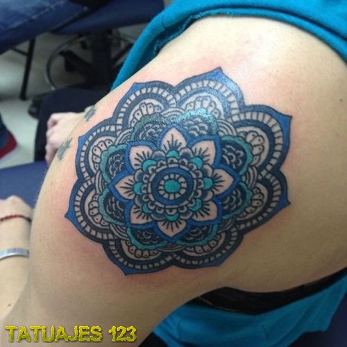 Tatuaje De Mandala En Color Azul Tatuajes 123