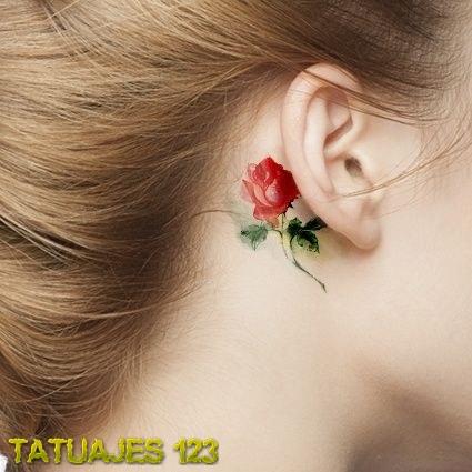 Rosa Roja Detrás De La Oreja Tatuajes 123
