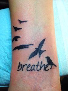 Frase: Breathe & Aves