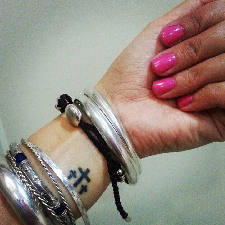 Tatuaje De Tres Cruces Tatuajes Para Mujeres