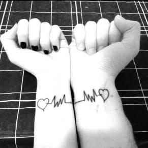 Electrocardiograma con corazón