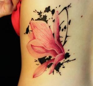 Flor Rosa con Manchas de Tinta