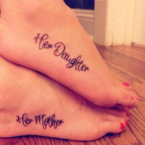 Frase: Her daughter – Her mother
